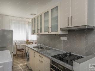 Koupelna, kuchyně, skříně