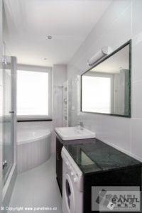 Černo-bílá koupelna